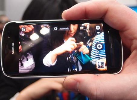 "The Next Big Thing: ""A 100 MP Camera Phone"""
