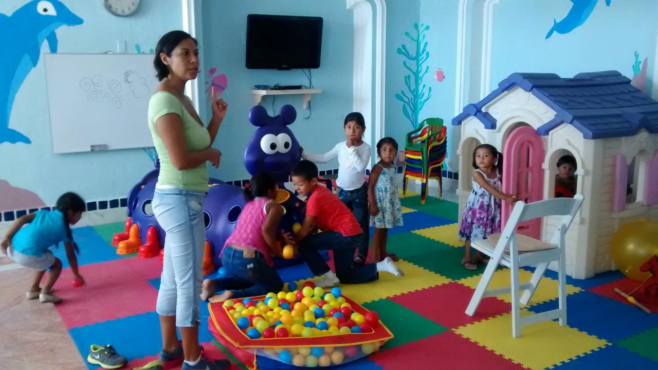 NIÑOS_EN_KIDS_CLUB_DE_T4-3