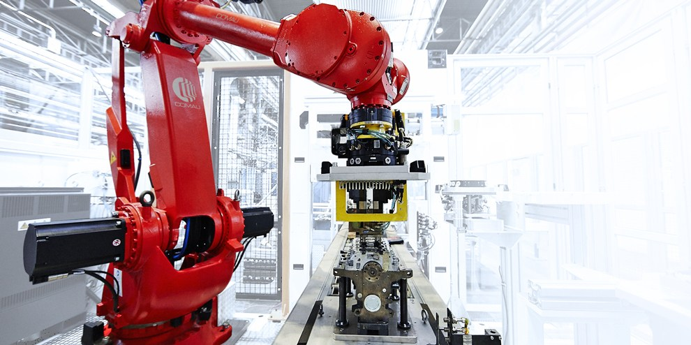 Comau-red-robot