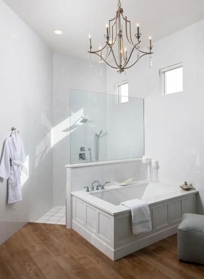 Bathroom with glass -2000x1333.jpg
