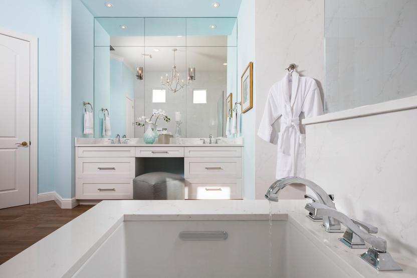 master bath tub -2000x1333.jpg