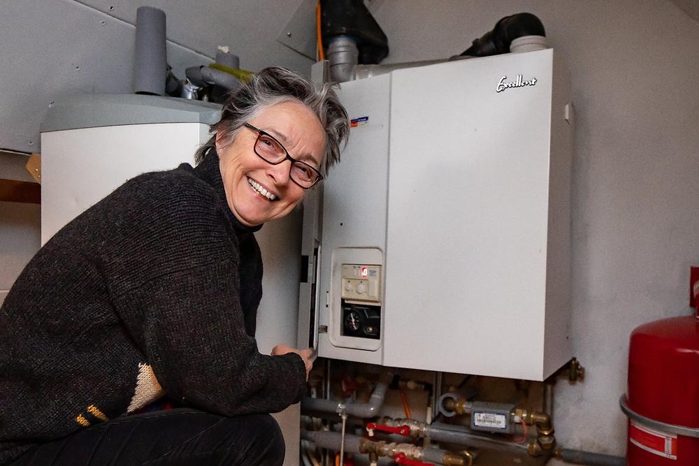 Wethouder Barbara Boudewijnse zet haar cv ketel op 60 graden om energie te besparen.