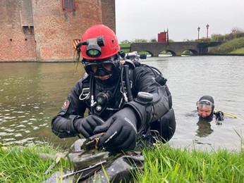 Water cleanup Muiden/Muiderberg vist honderden kilo's uit het water