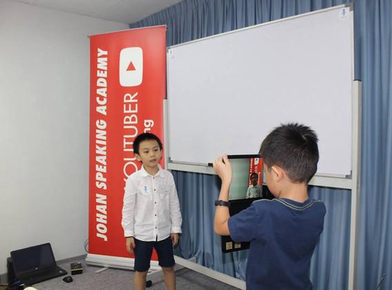 kids youtubing johan speaking academy (9