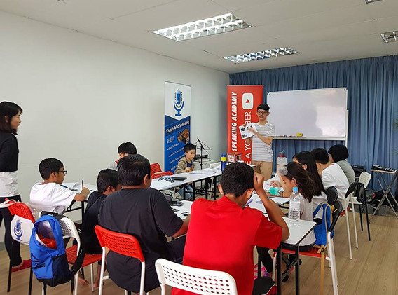 kids youtubing johan speaking academy (6