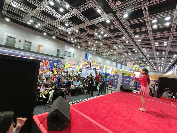 live presentation to live audience johan