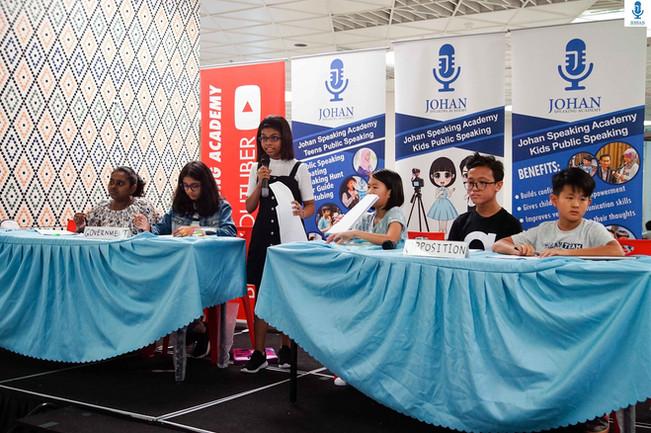teens debating johan speaking academy10.
