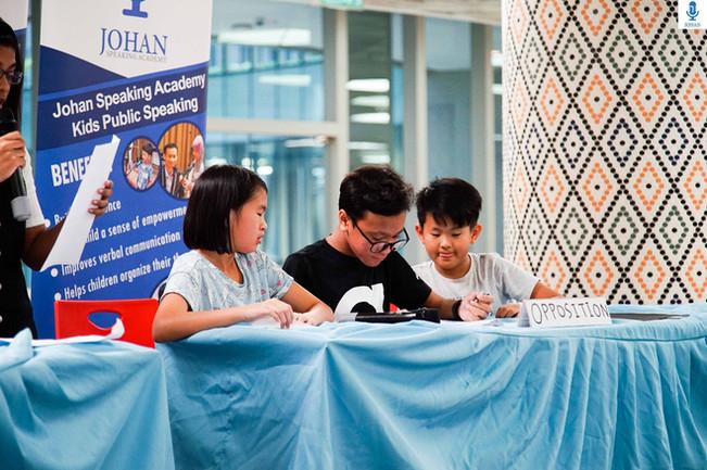 teens debating johan speaking academy8.j