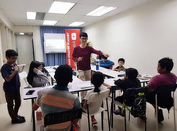 kids youtubing johan speaking academy (5