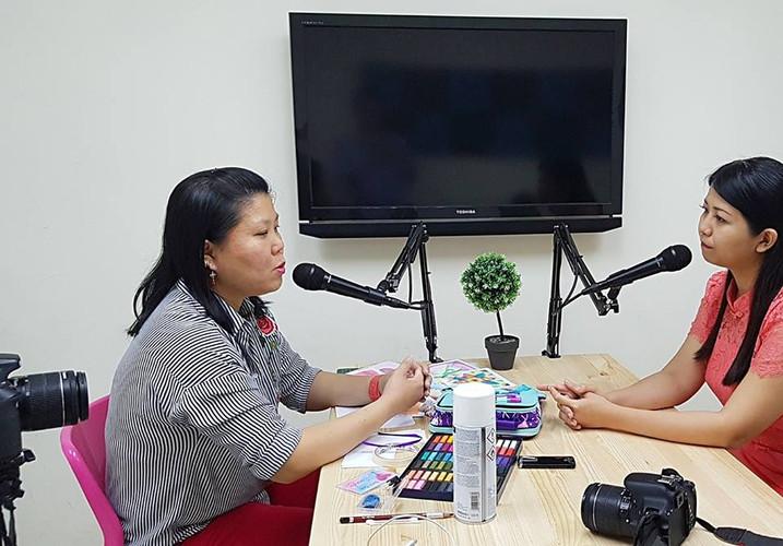 nagomi art speak fm podcast  (2).jpg