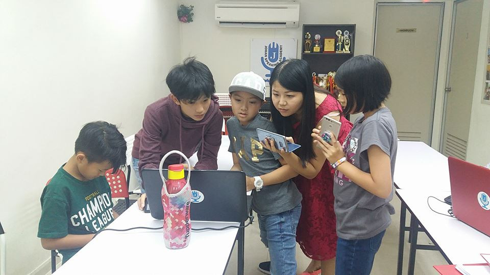 kids youtubing johan speaking academy (4
