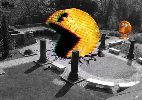 pacman attacks roman garden