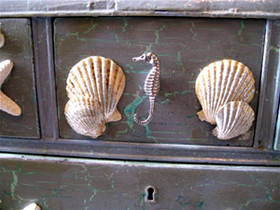 Seahorse Front Drawer