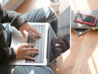 Experimente uma aula de francês online, ao vivo e gratuita