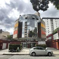 Prédio comercial na rua das Esmeraldas, n° 176, bairro Jardim, Santo André, São Paulo.