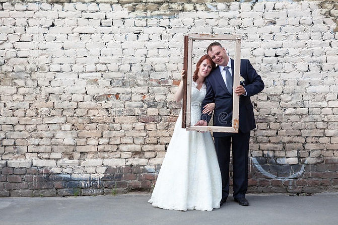 brick wall couple 2.jpg