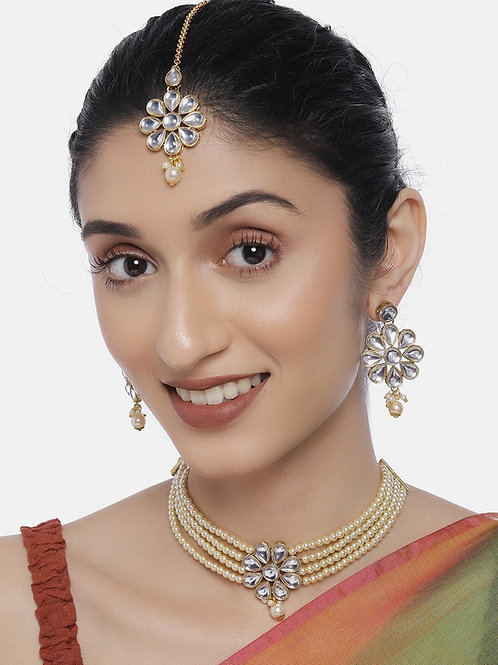 Women Gold-Plated & Off-White Jewellery Set With Maangtika