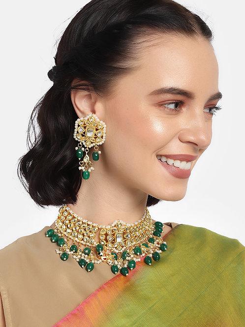 Women Gold-Plated & Green Kundan Studded Jewellery Set