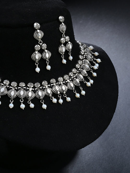 92.5 Sterling Silver Handcrafted Bodhi Silver Pearl Necklace and Earring