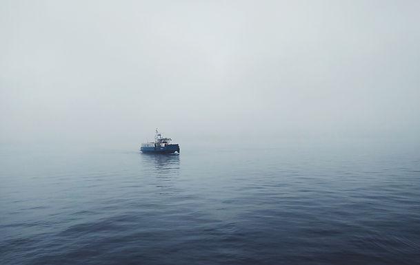Boot auf stilles Wasser