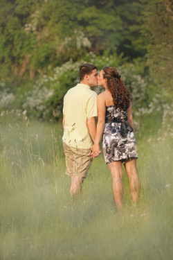 Photographer for engagement pictures