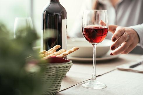 fine-dining-and-wine-tasting-P9Z8BJ3.jpg