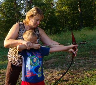 laken shooting longbow 003_edited.jpg