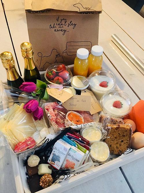 Champagne ontbijt (vanaf 2 personen)