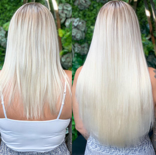 """Hello Blend 😍 22"""" white blonde @bellamihairpro Weft 🥶 this method is heat free glue free and adhesive free, your hair is fed through a simple silicone lined bead, lightly crimped down, after a row of those are installed the shed-free machine Weft is sewn onto the base. The extensions grow out with your natural hair and are required to be moved up every 5-6 weeks. The extensions last 6-8 months with proper care!"""