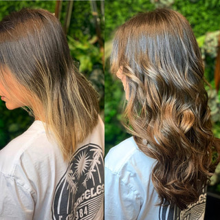 """bellamihair always provides the most beautiful blended balayage 👌🏻 helping my guests add those beautiful touches of color with out having to lighten their hair. Pictured here is off black to mocha cream 😍 20"""" in beaded sew-in!"""