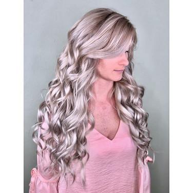 Miss pretty in pink _kaymkunz  rocking some custom toned _bellamihair 22in Beach Blonde Bellissima Clip-Ins....jpg