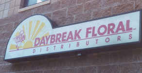 Illuminated Sign Daybraek Floral tn.jpg