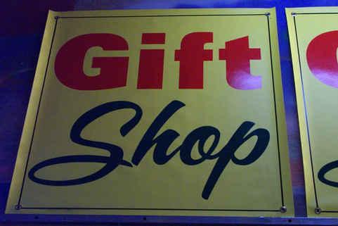 Banners Sign Gift Shop tn.JPG