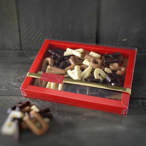 Luxe doosje chocolade lettertjes 250 gram