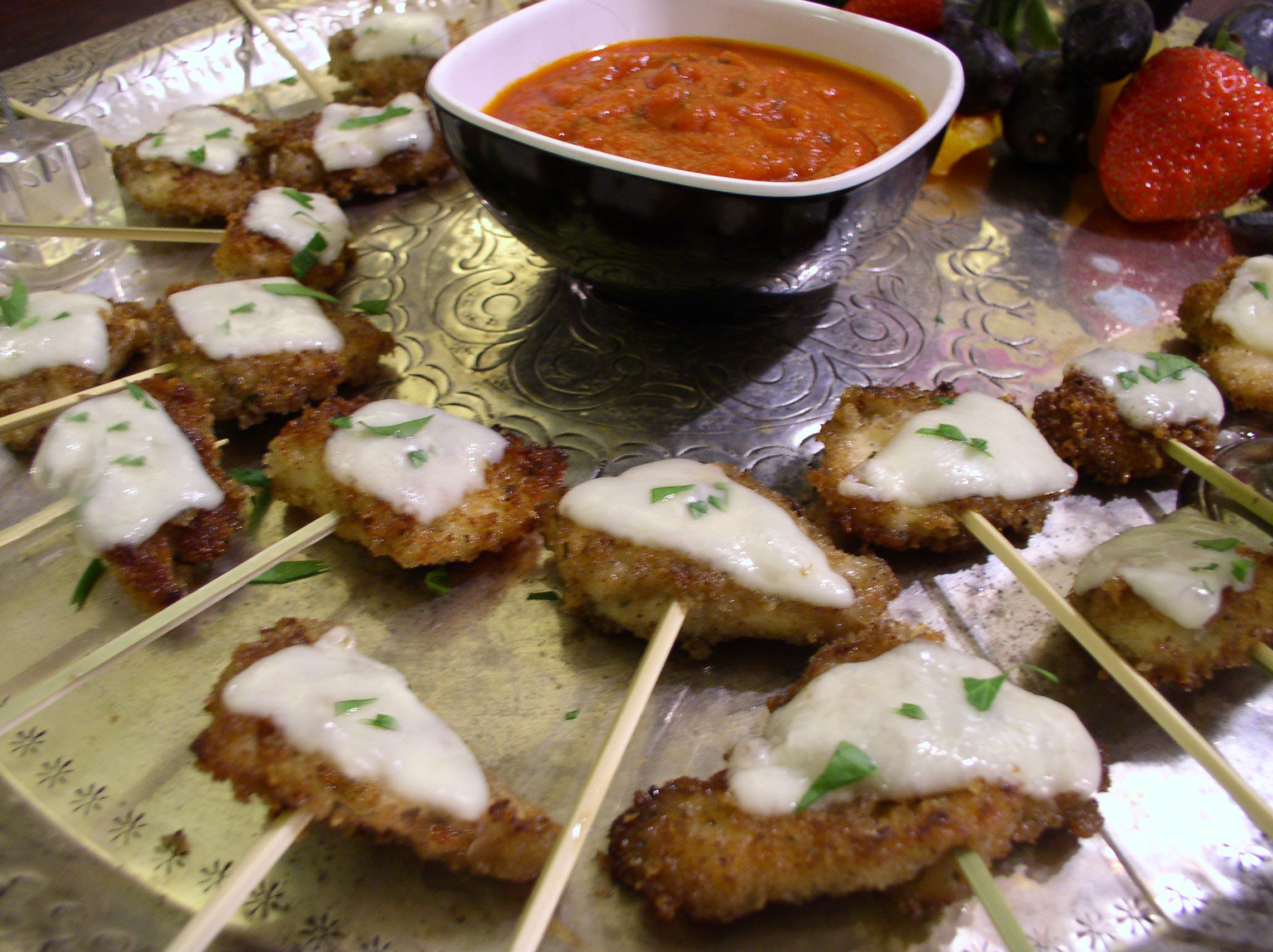 Mini Chicken Parm Lolipops