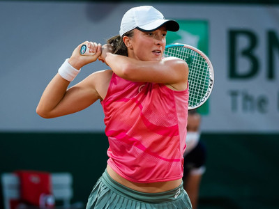 Iga Swiatek shows her quality to advance into French Open Quarter-Finals