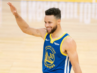 Not Your Average April: Steph Curry's Historic Month in the NBA