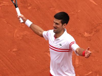 Djokovic advances into French Open Quarter-Finals through five set thriller