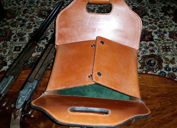 Magazine [very large], 2 man 500 size magazine with room for flasks