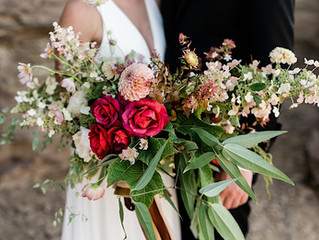 Washington State Desert Elopement with a Wild and Vibrant Bouquet