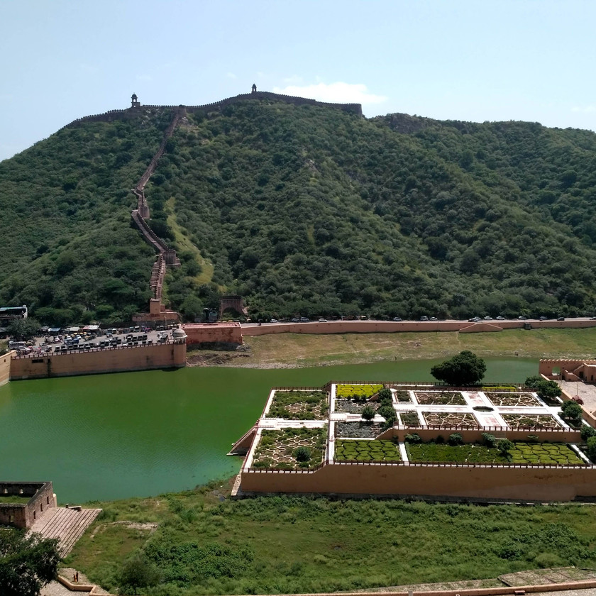 Artificial Lake and Kesar Baug beautifies the entrance of the Amer fort