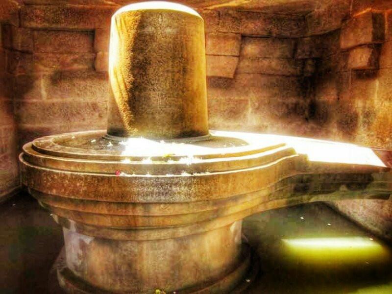 Shiva Linga Statue in Hampi, Karnataka
