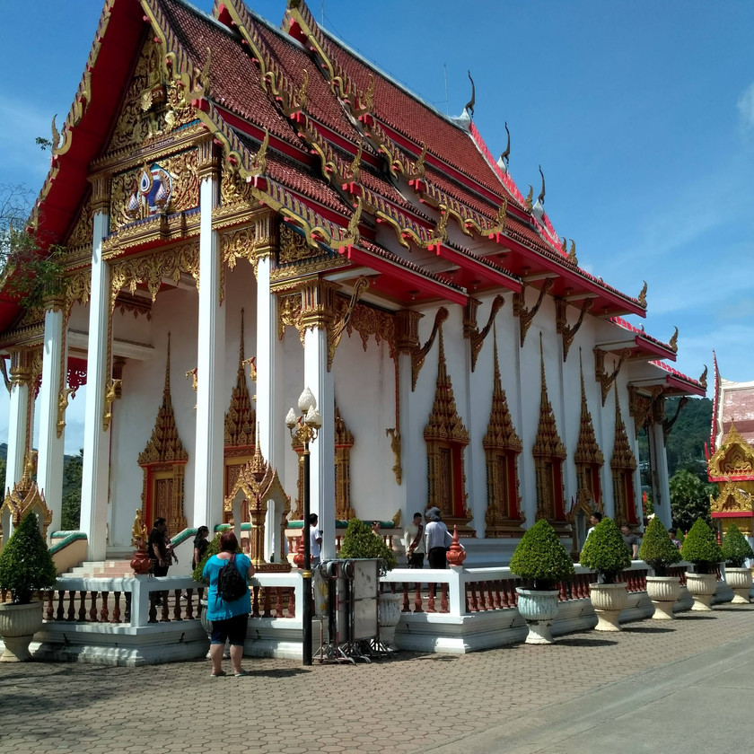 Around the Wat Chalong premises