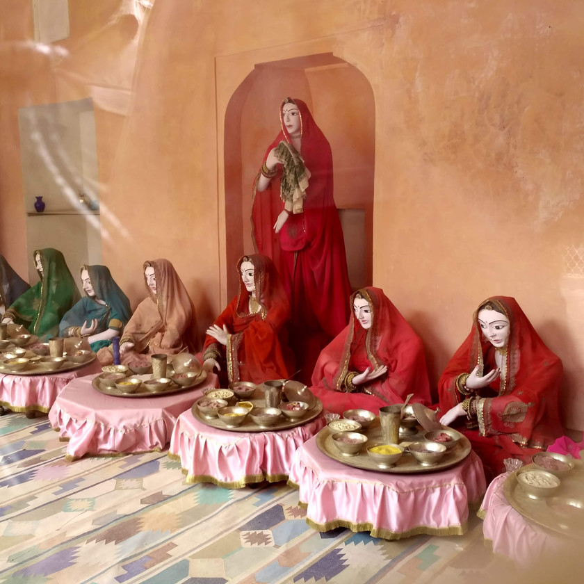 Figurines depicting Dining hall area in Jaigarh fort