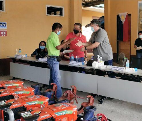 Sa pangunguna ni Rep. Cojuangco, nabigyan ng water pumps na pang-irigasyon ang mga farmer organizations ng distrito.