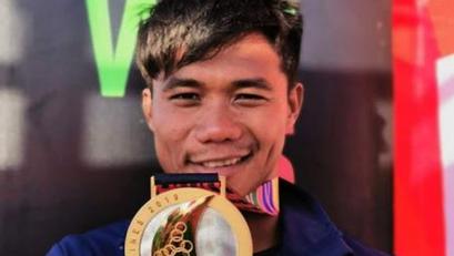 Pinoy Surfer na Sumagip ng Indonesian noong SEA Games, Ginawaran ng Parangal Abroad