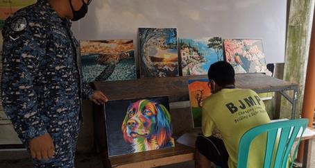 42-anyos na PDL sa Camarines Sur, Bida sa Paggawa ng Canvas Painting