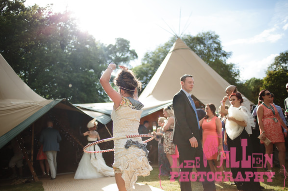 Tipi Event Structures for Weddings