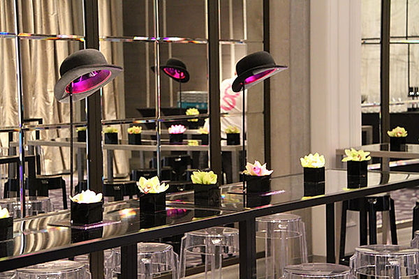 Top hat centerpieces for table