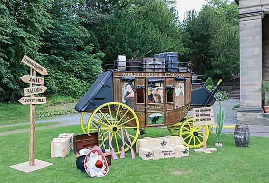 Western style carriage for hire for events. Hire themed photobooths for corporate events and western parties.
